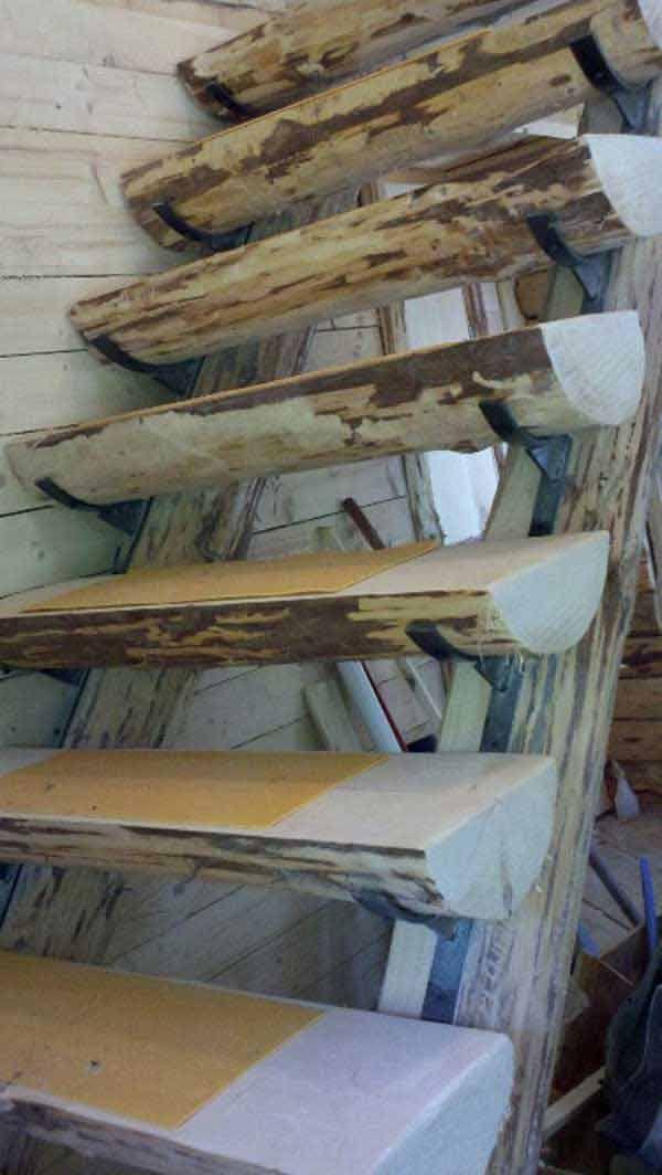 escalier demi-rondins
