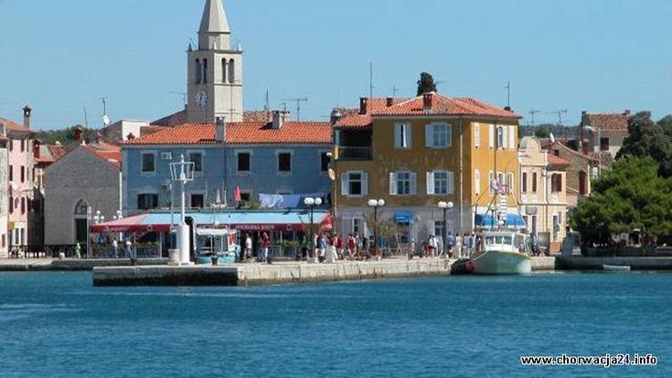 Na zachodnim wybrzeżu Istrii, w odległości ok. 8 km od Puli znajduje się miasteczko Fažana, znana przede wszystkim jako miejsce, z którego odpływają łodzie wycieczkowe na pobliską wyspę Vel Więcej: http://www.chorwacja24.info »