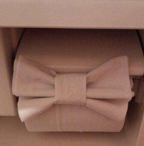トイレットペーパーの先端を三角に折るのも女子力高いアピールポイント♥でもその折り方は常識すぎ?もっと可愛い折り方ありますよ♥