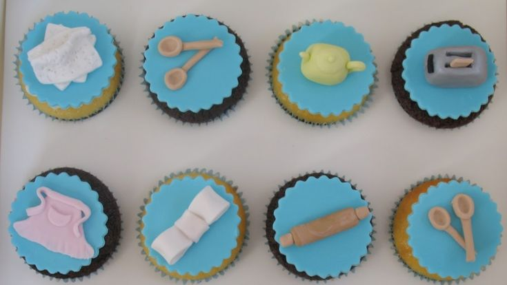 What girl does not love Tiffanys?? These little cupcake delights were made for a Tiffany inspired kitchen tea. So the famous Tiffany blue wa...