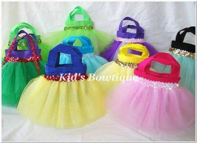 CUTE IDEA for Disney Princess Birthday party favors!