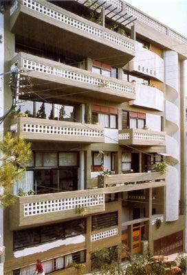 Δημήτρης και Σουζάννα Αντωνακάκη, πολυκατοικία στην οδό Εμ. Μπενάκη, Αθήνα, 1973