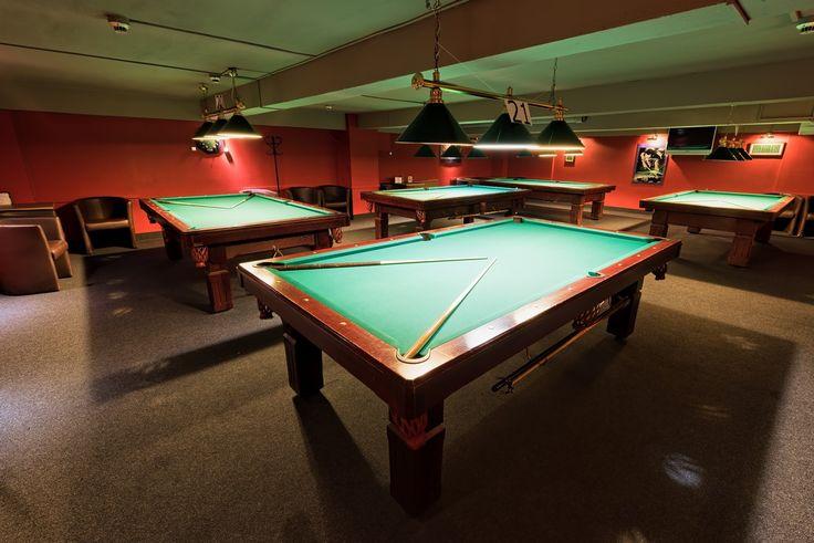 Sala Irlandzkato jedna z trzech klimatyzowanych sal mieszczących się w klubie 147 Break. Mała sala poolowa, wyposażona w 5 stołów poolowych, ma powierzchnię 130m2i przeznaczona jest dla 30- 40 osobowych grup.  Urządzony klasycznie klub znany jest z przyjaznej atmosfery oraz doskonale przygotowanych stołów. Świetnie sprawdzi się podczas firmowych imprez integracyjnych i niebanalnych spotkań okolicznościowych.