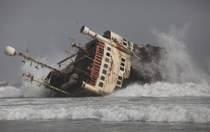abandoned ships | Abandoned ships litter Nigeria coastline - PhotoBlog