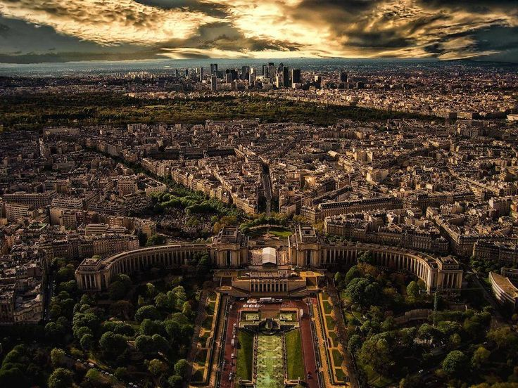 Isn't it a great city?.. Le trocadero, Paris, France  Posted by: Elias Maxi Hanna