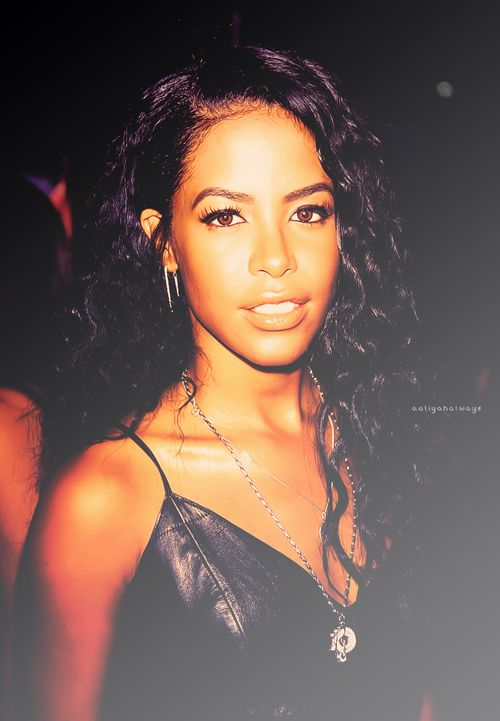 Aaliyah 39 S Hairstyles Were Always Ahead Of Her Time Can You Imagine How Her Hair And Fashion