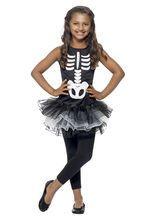 Unser Skelett-Tutu Halloween Kinderkostüm schwarz-weiss aus der Kategorie Halloween Kostüme Kinder verwandelt jeden kleinen Gruselfan in eine echte Skelettprinzessin. Besonders das schwarz-weisse Tutu und der niedliche Skelett-Print machen das Kinder-Kostüm zu einem echten Hingucker!