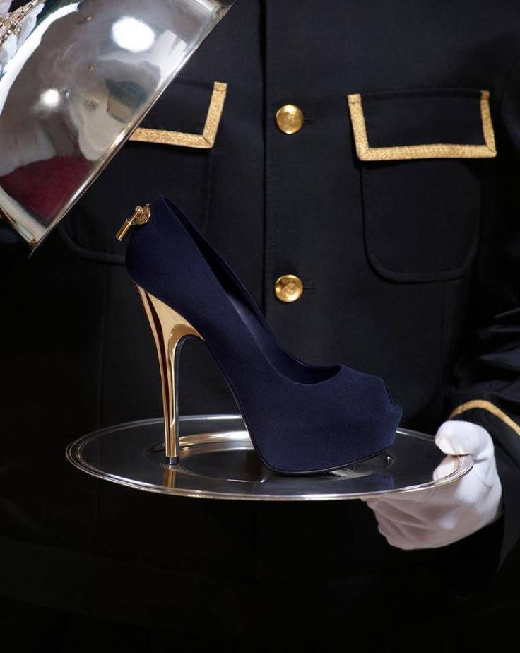 Luis Vuitton 2013 Fashion High Heels. This is the one of the most beautiful pair in the entire 2013 seasons collection :) ♥