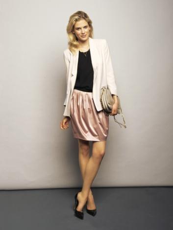 """Wow-Outfit! Hierzu nur eine dezente kleine Kette, um das Boyfriend-Top etwas """"aufzuweichen"""". zB diese: http://de.jewlscph.com/schmuck/506-halsketten/1710-rosa-rosa-vergoldetes-sterlingsilber-rosa-chalzedon2/ I LOVE!!!"""