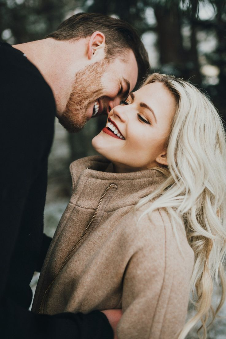 This couple and their engagement session keeps popping up. It's too gorgeous.