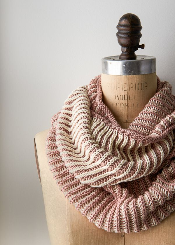 Two-color cotton fisherman's rib summer cowl. Not brioche! Purl Soho (free patter w/video tutorial) More