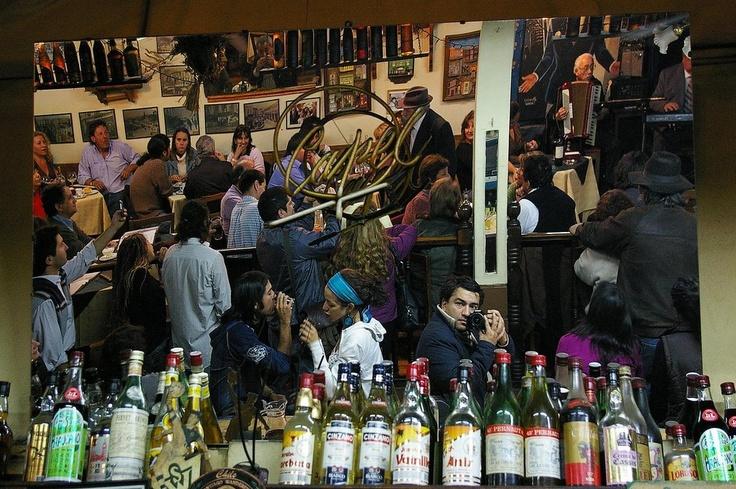 bar cinzano en valparaiso this picture has excellent composition notice the photogher