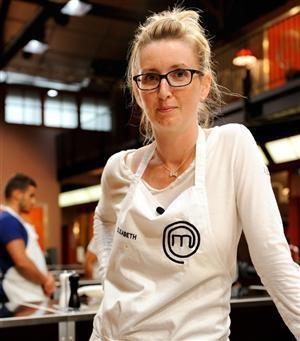Elisabeth Biscarrat, infirmière strasbourgeoise a gagné le concours Masterchef 2011. © Christophe Chevalin/TF1