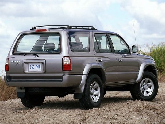 Toyota 4Runner (1999 – 2002).... EXACT YEARS STYLE I WANT... just in champagne or black ☺️
