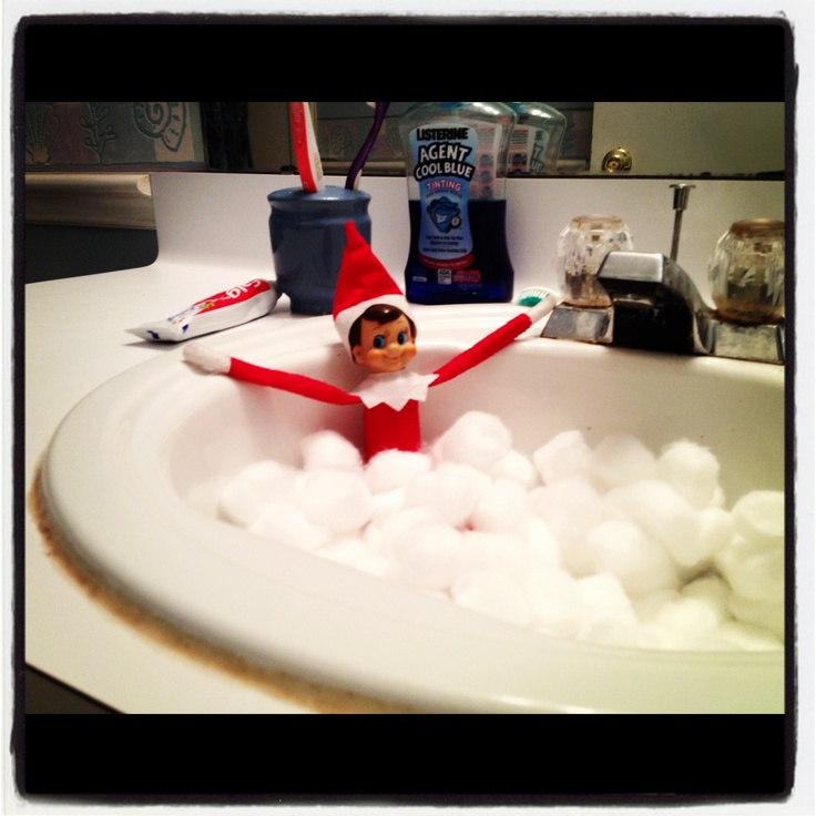 Elf on shelf photo christmas pinterest bubble baths for Elf on the shelf bathroom ideas
