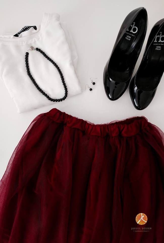 Burgundy tulle skirt outfit