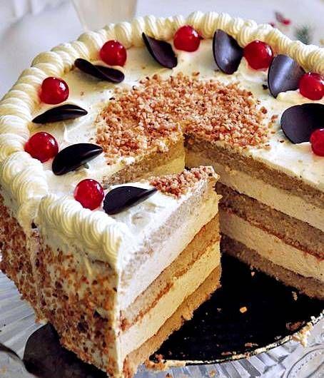 tort cynamonowo - migdałowy
