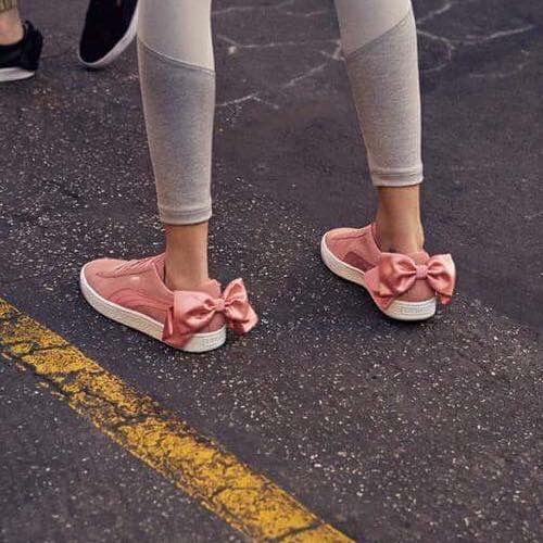 43b8d0e658 Puma suede bow valentine. | Sneakers | Puma bow sneakers, Bow ...