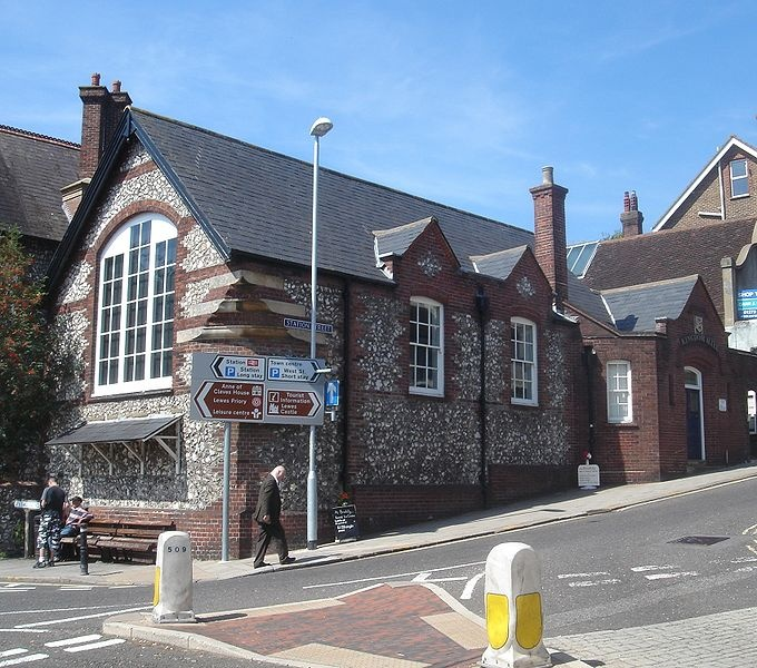Jehovahs Witnesses Kingdom Hall, Station Street, Lewes, East Sussex, England. @Szivi Grrl it was there! Remember when we were looking and couldn't find it?!