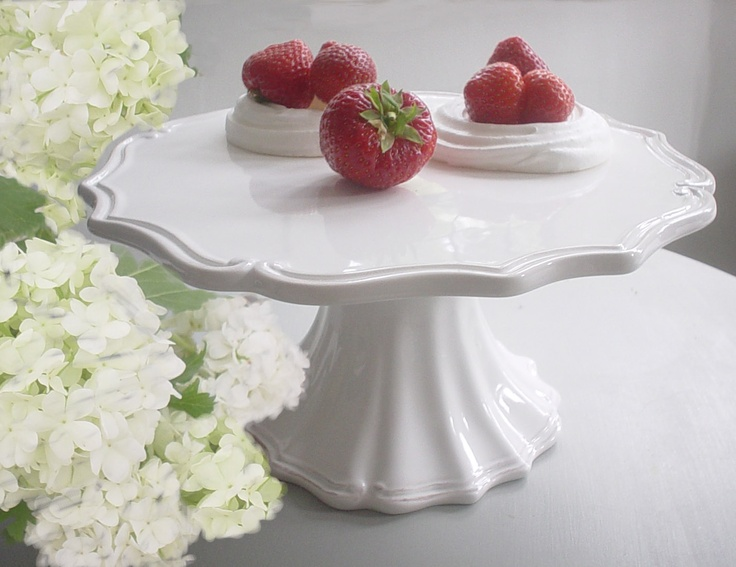 vintage cake stand - BOUGHT!