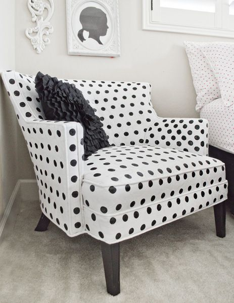 How to paint polka-dot upholstery! Use round sponge
