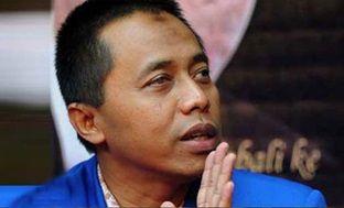 Waketum PAN Drajad Wibowo merasa gerah dengan pernyataan calon presiden terpilih Jokowi yang mengungkapkan partainya akan bergabung dengan t...
