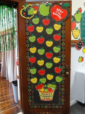 Welcome back! This is absolutely adorable! See the entire Dots on Black Apples designer line here:  http://www.creativeteaching.com/ctp-search.aspx?SearchTerm=dots%20on%20black%20applesClassroom Decor, Doors Decor, Bulletin Boards, Classroom Ideas, Bulletinboards, Boards Ideas, Apples Classroom, Apples Theme, Classroom Doors