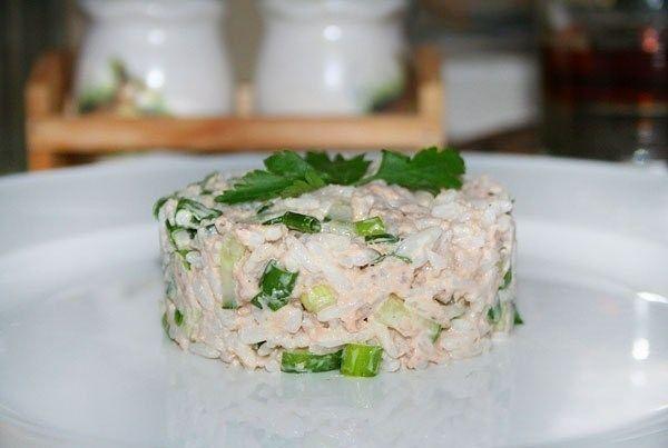 Простой рыбный салат