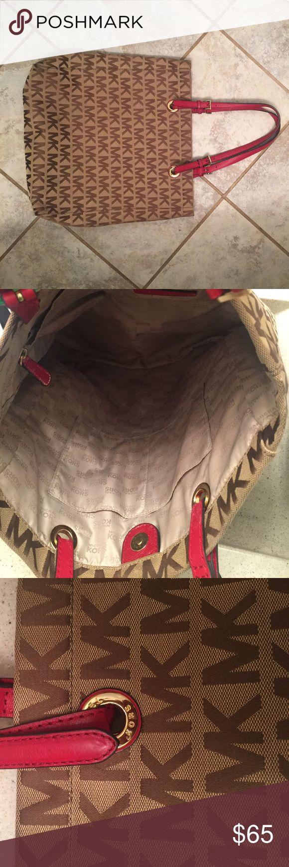 Beige and red Michael Kors bag ❤️ Larger Michael Kors bag. Beige with red accents. ❤️ KORS Michael Kors Bags Shoulder Bags