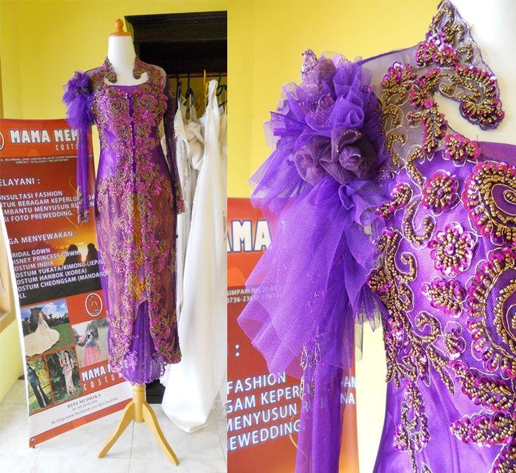 Ungu Bunga Bahu by Mama Meme Costume
