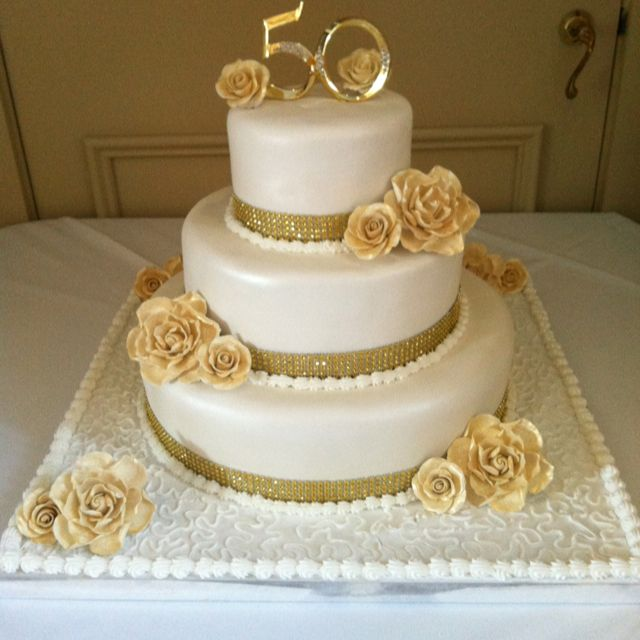 Cake Decorating Ideas For 50th Wedding Anniversary : Best 25+ 50th anniversary cakes ideas on Pinterest