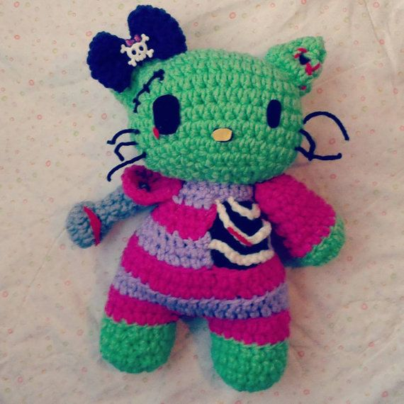 Crochet Pattern Zombie Doll : 13 best images about Crochet Zombies on Pinterest Free ...