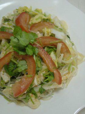 タイ料理鶏肉の春雨サラダ(ヤムウンセン)