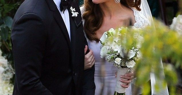 Ashley Hebert Tied the Knotes To J.P. Rosenbaum in Frill Styled Wedding Frock