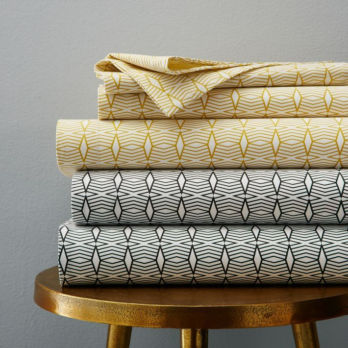 Amp Up Your Midcentury Style with These 6 Retro Linens