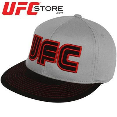 You're one tough dude and you know it. Although everyone can tell that just by looking at you, you can still flaunt your machismo with this Billboard cap from UFC. This fitted flex hat features the UFC wordmark embroidered on the crown in billboard-type lettering, another wordmark embroidered at the back and a stylish flat bill with contrast stitching detail. It's the perfect cap for topping off your bold outfit on those action-packed UFC nights!