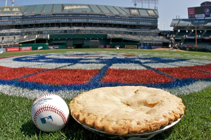 Baseball and apple pieBasebal Apples, Ahhh Summertime, Pies And Oakland, Apples Pies Doesn' T, Apples Pies And, Baseball Apples, American Favorite, Apples Pies Go, Apple Pies