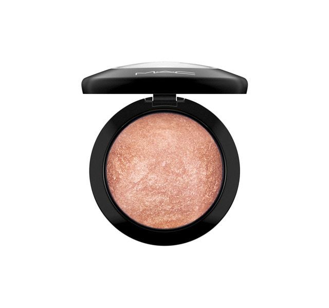 Free shipping and returns. Mineralize Skinfinish. A luxurious powder with M·A·C Multi-Mineral Complex that adds highlights to the face and body.