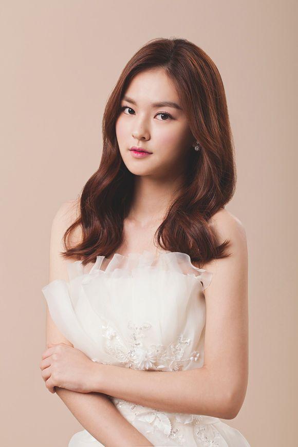 Kimsunjin Cloe Korean Bridal Hair Makeup Wedding Photography