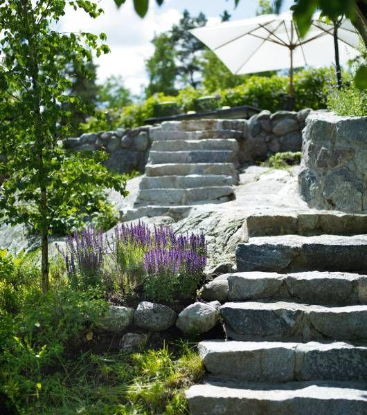 Naturstenstrappa I Två Sektioner, Fogad Naturstensmur (bruksmur). Bild Fr  Studio Karin · Garden WallsGarden ...