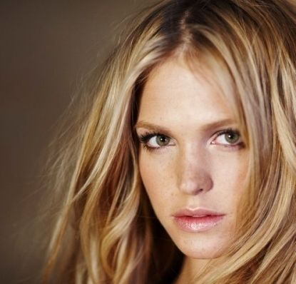 Erin Heatherton. My absolute favorite Victoria's Secret Model! She is gorgeous!