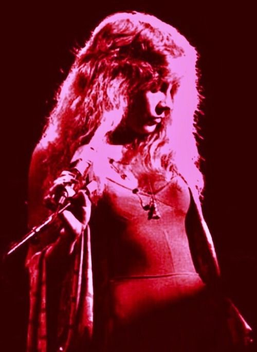 Well did she make you cry make you break down and shadow your illusions of love , and is it over now do ya how to pick up the pieces and go home....... Rock On Golddust Woman!
