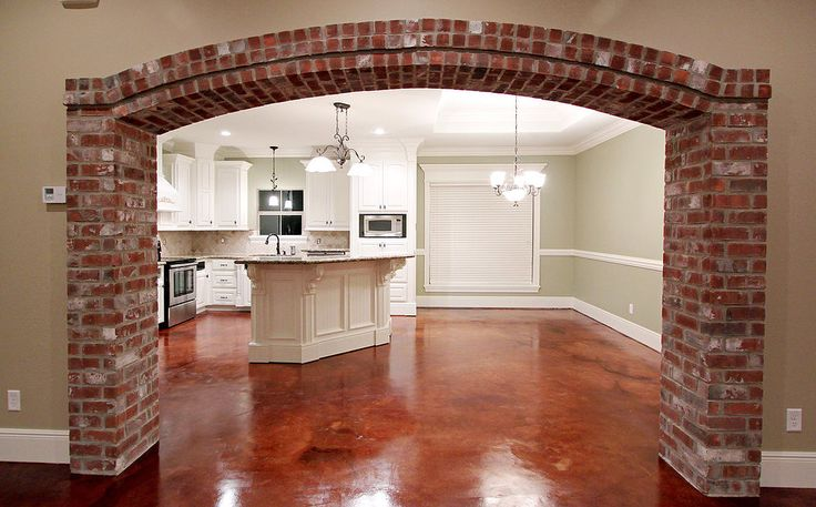 Love the brick archway!