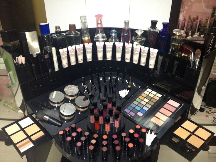 """mary kay cosmetics case study She started her mary kay career in 1988 to supplement her income  called the  """"gloria hilliard mayfield at mary kay cosmetics"""" case study."""