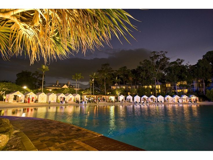 InterContinental - pool by night