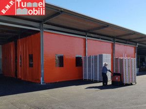 Tunnel Mobili arriva a Lecce con sei #teliinpvc per l'azienda Interfrutta.   Leggi l'articolo per maggiori informazioni: http://www.tunnelmobili.it/teli-in-pvc-chiusure-capannoni-lecce/  #teliinpvc #tunnelmobili #tunnelpvc #coperturepvc #tettoiepvc #pvc #tunnelretrattili #copertureindustriali #coperturemobili