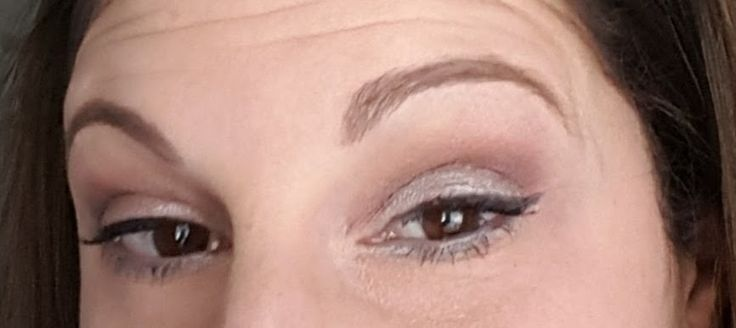 neutral brown eye look. cut crease modified. black wing. Younique.  click on image for products