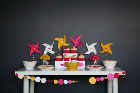 Lila's Poppy 2nd Birthday via Somewhere Splendid. Photos by Pink Sugar Photography.