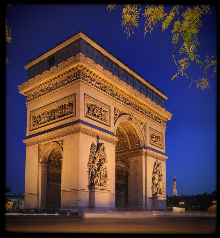 #Arc de #Triomphe: Free #entry for all european citizens between 18 and 25 years.    Freier #Eintritt für alle europäischen #Jugendlichen zwischen 18 und 25 Jahren    © Benh Lieu Song, Wikipedia    For more information visit: http://www.easyvoyage.de/frankreich/paris