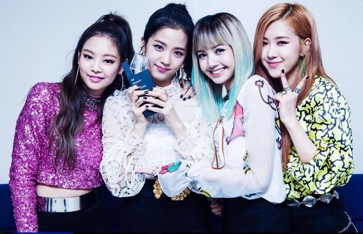 Which Male Idols Called Black Pink Pretty at the 'Golden Disk Awards'? | Koogle TV